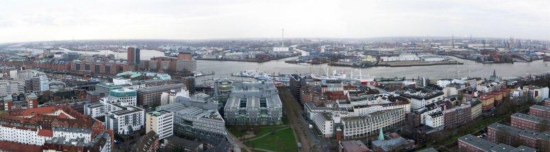 Blick vom Michel auf die Elbe