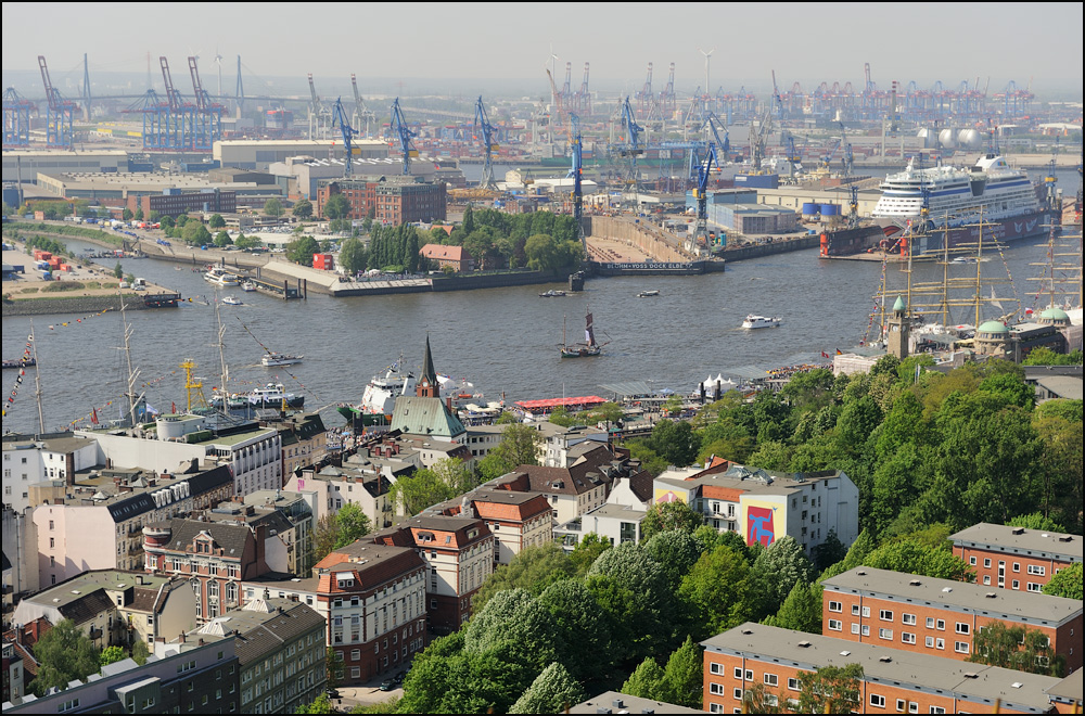 blick vom michel foto bild deutschland europe hamburg bilder auf fotocommunity. Black Bedroom Furniture Sets. Home Design Ideas