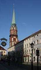 Blick vom Rathaus in Löbau zur Nicolaikirche