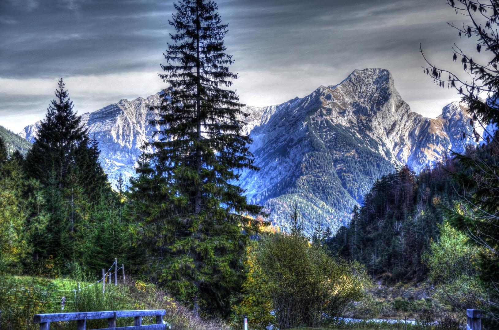 Blick vom Rissbachtal ins Karwendel Vorgebirge