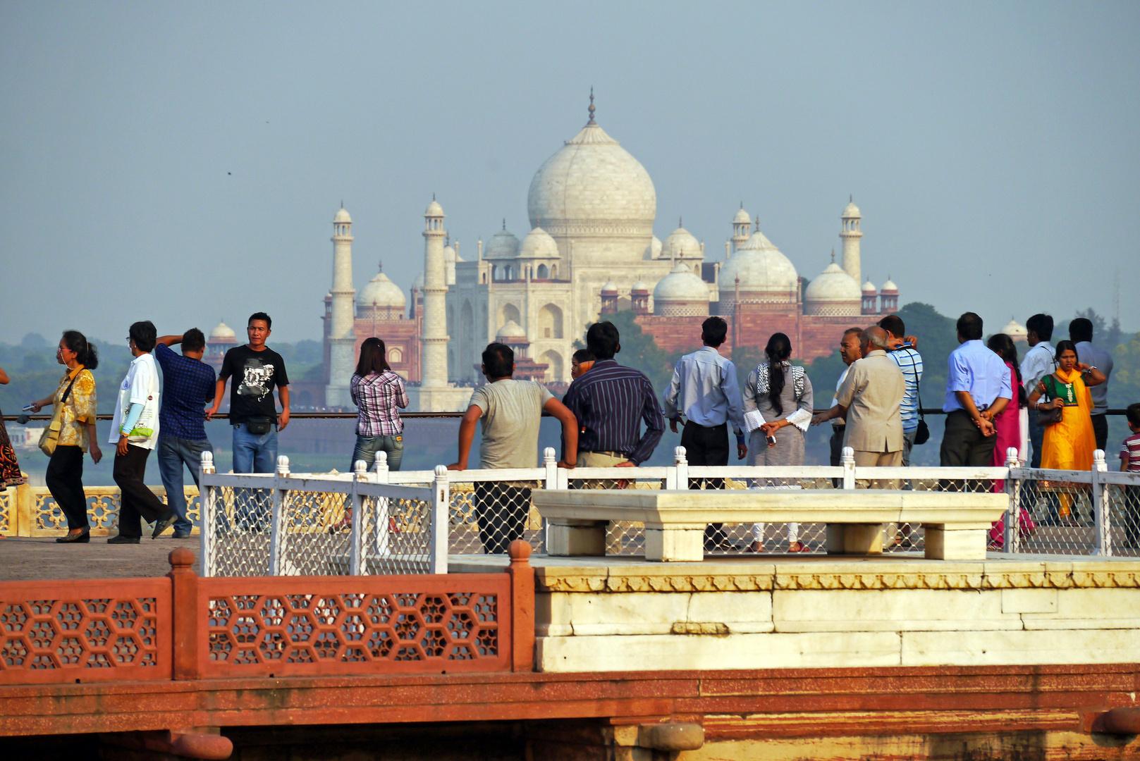 Blick vom Roten Fort auf das Taj Mahal