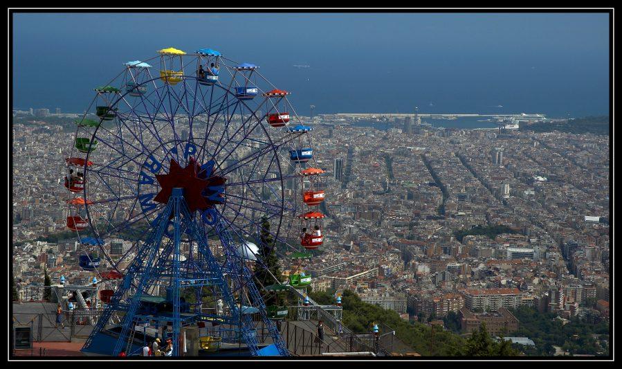 Blick vom Tibidabo über Barcelona