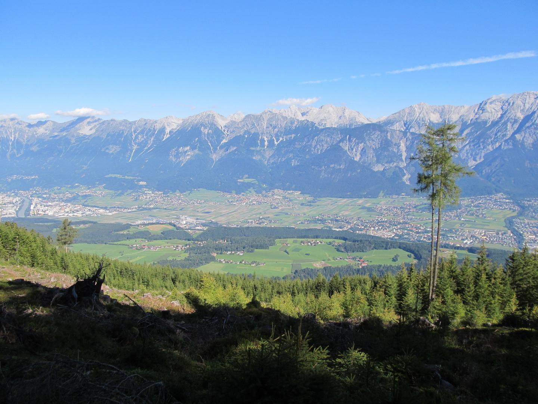 Blick vom Weg zur Tulfein Alm ins Inntal