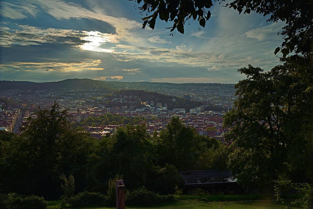Blick vom Weisenburgpark auf Stuttgart