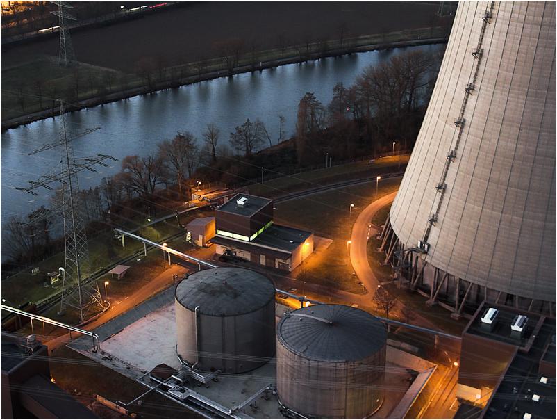 Blick von 122m auf den Neckar