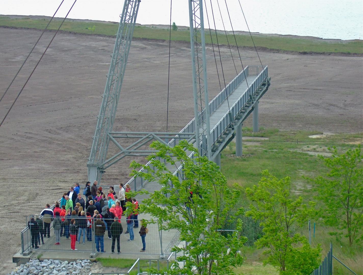 °°° Blick von den IBA-Terassen - die Touristen aus Sachsen kamen mit dem Reisebus °°°