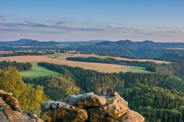 Blick von den Ochelwänden auf die hintere Sächsische Schweiz