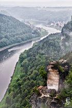 Blick von der Bastei auf Elbe und Stadt Wehlen
