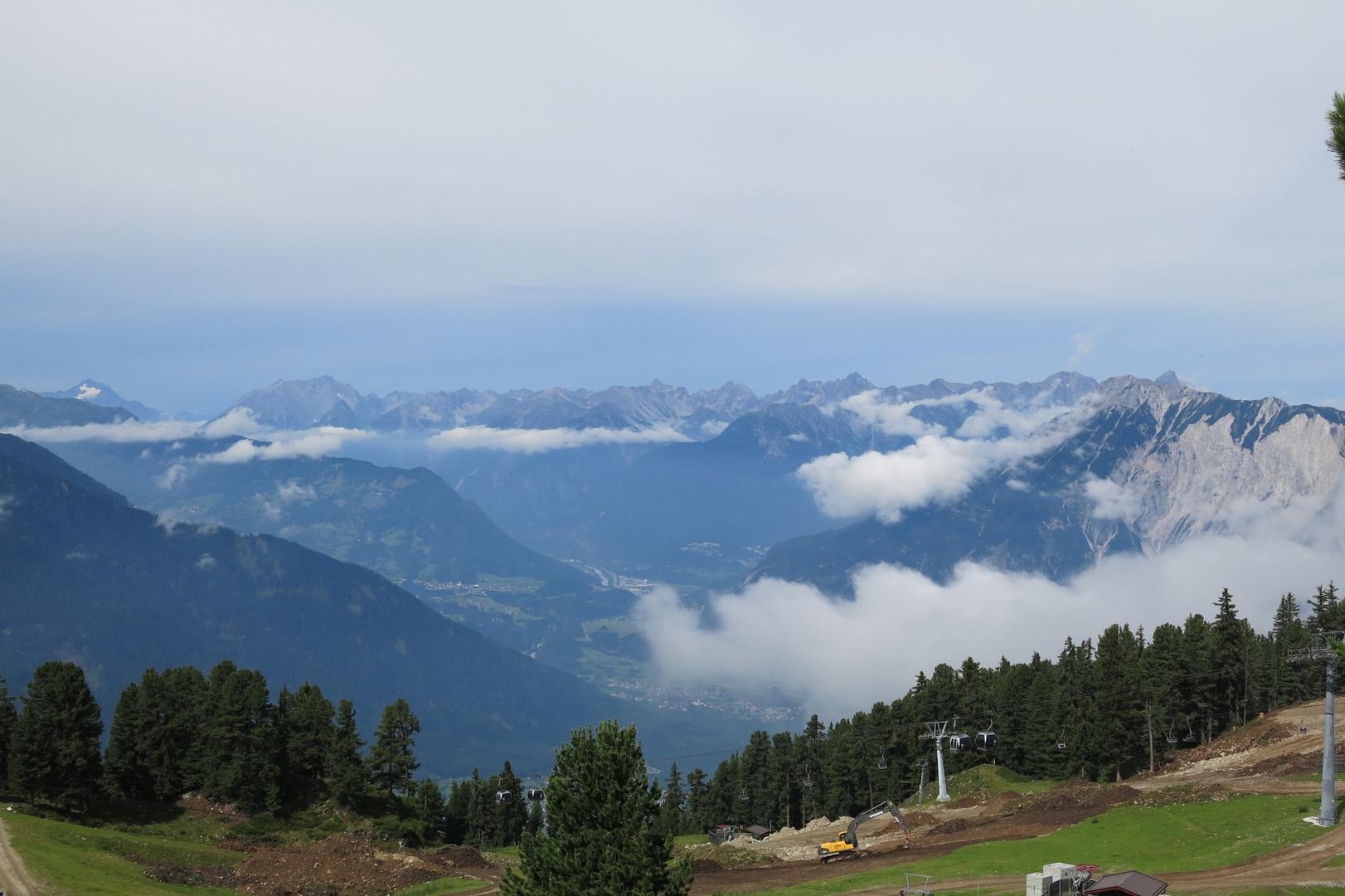 Blick von der Bergstation der Acherkogelbahn Oetz