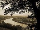 Blick von der Erpeler Ley auf den Rhein bei Remagen