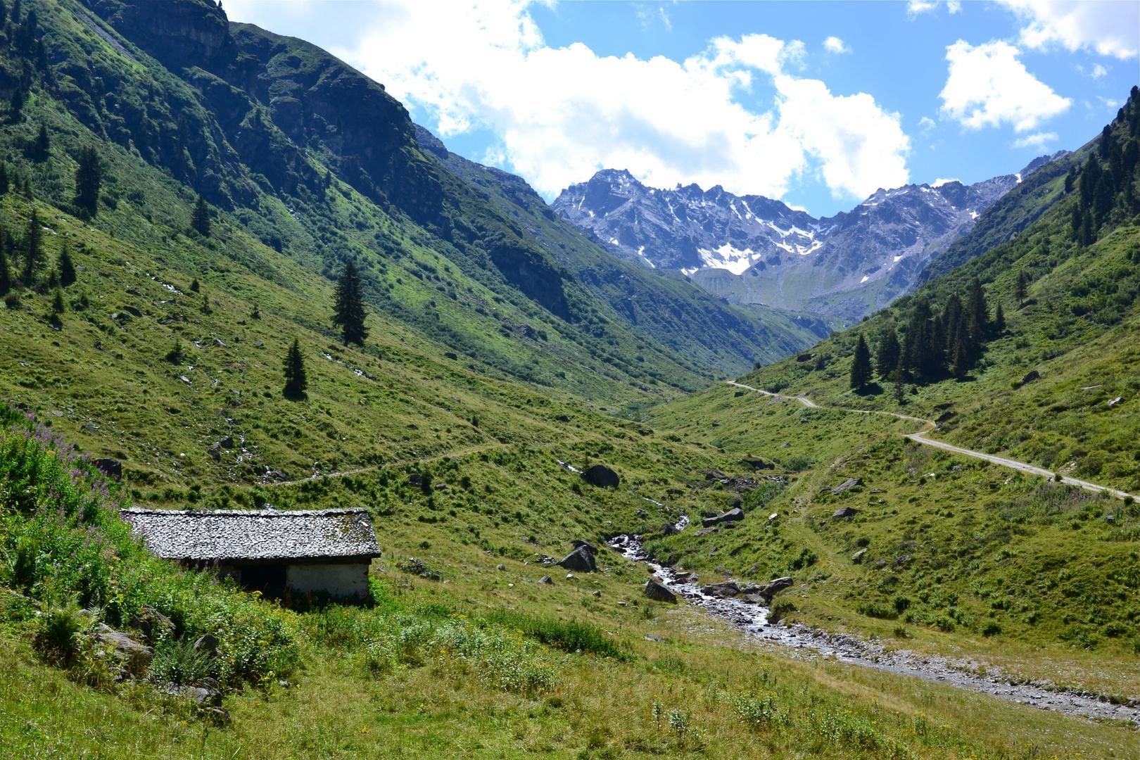 Blick von der Garneraalpe zur Silvrettagruppe…