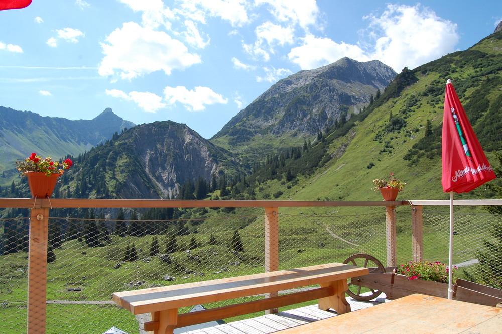 Blick von der Heinrich-Hueter-Hütte.