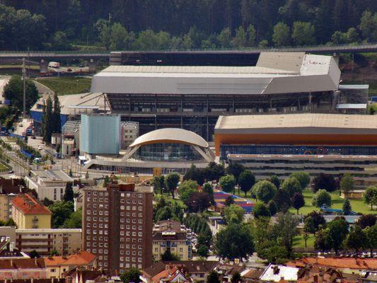Blick von der Hungerburg richtung Eisstadion und Tivoli neu