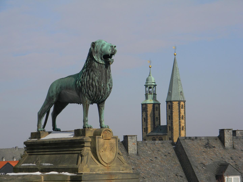 Blick von der Kaiserpfalz auf die goslarer Marktkirche