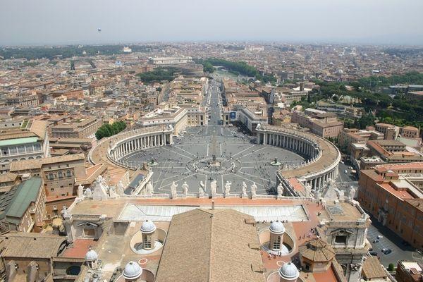 Blick von der Kuppel des Petersdoms