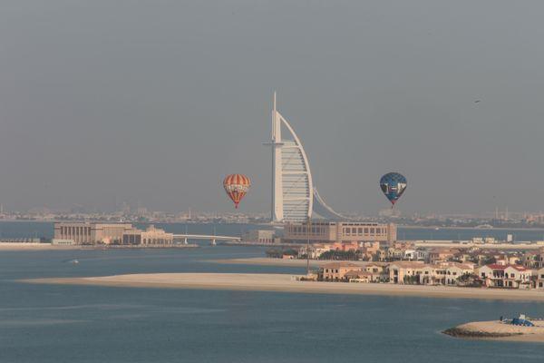 Blick von der Palme auf das Burj Al Arab