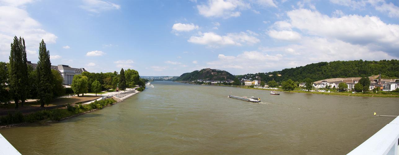 Blick von der Pfaffendorfer Brücke - Koblenz