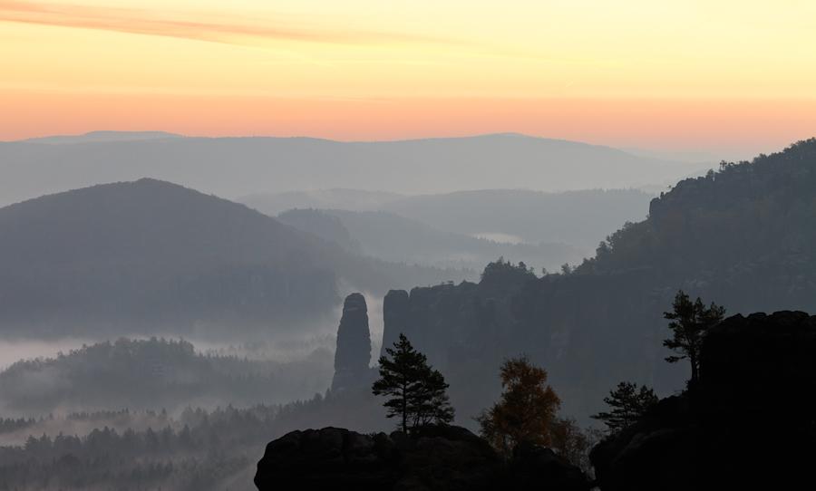Blick von der Schrammsteinaussicht Richtung Bloßstock