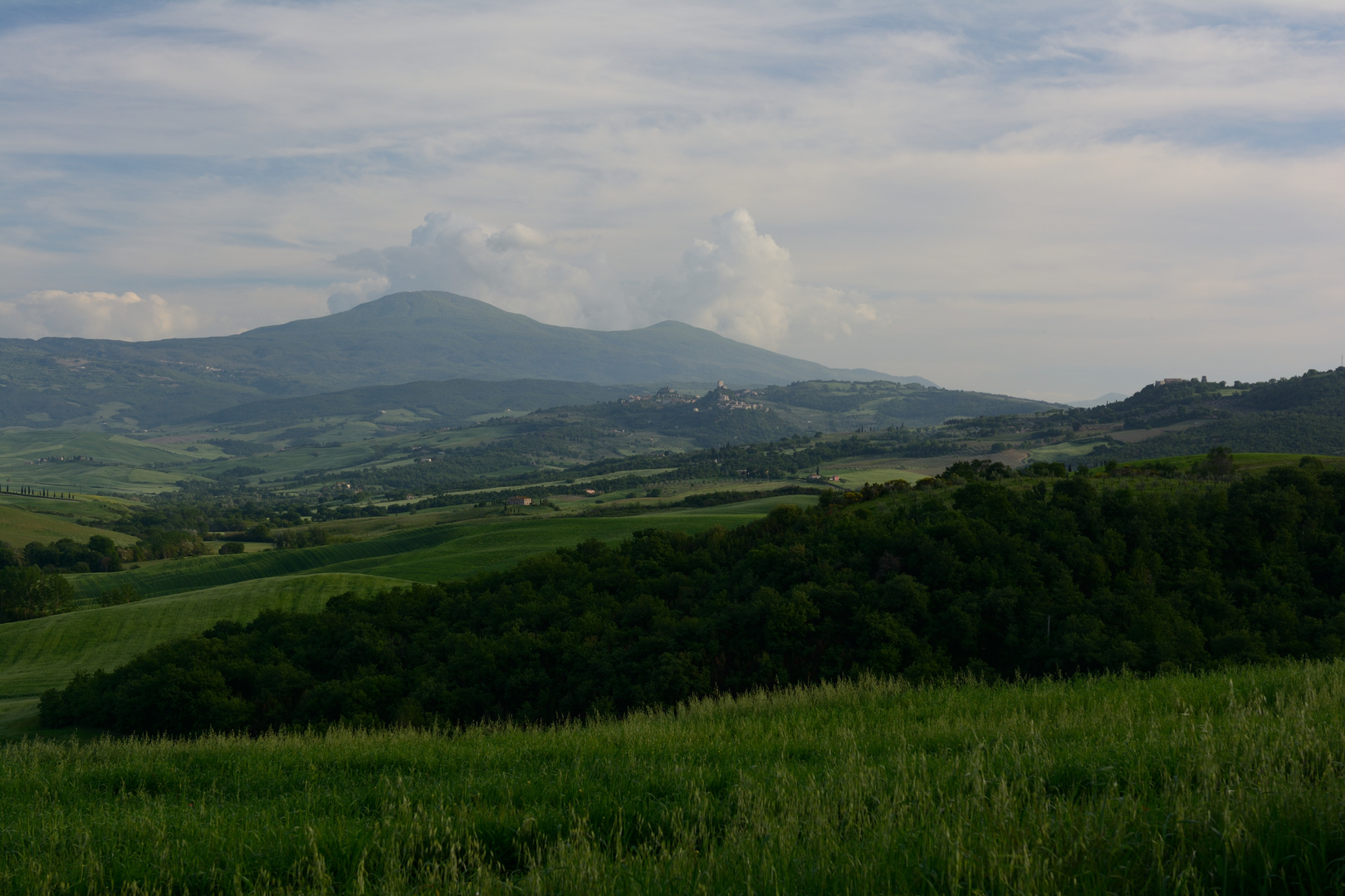 Blick von der Strada Provinciale di Chianciano auf den Monte Amiata
