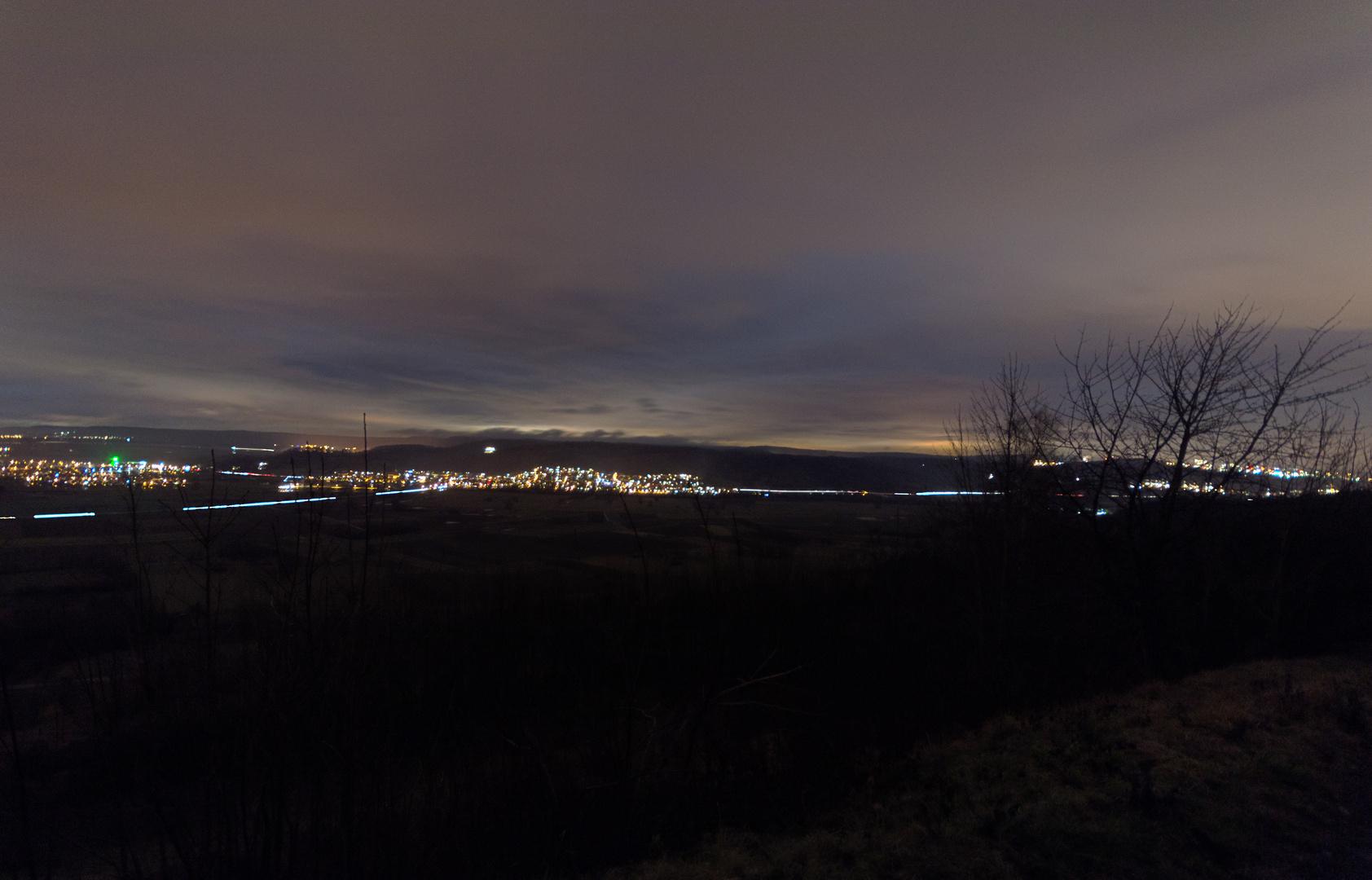 Blick von der Wurmlinger Kapelle bei Nacht