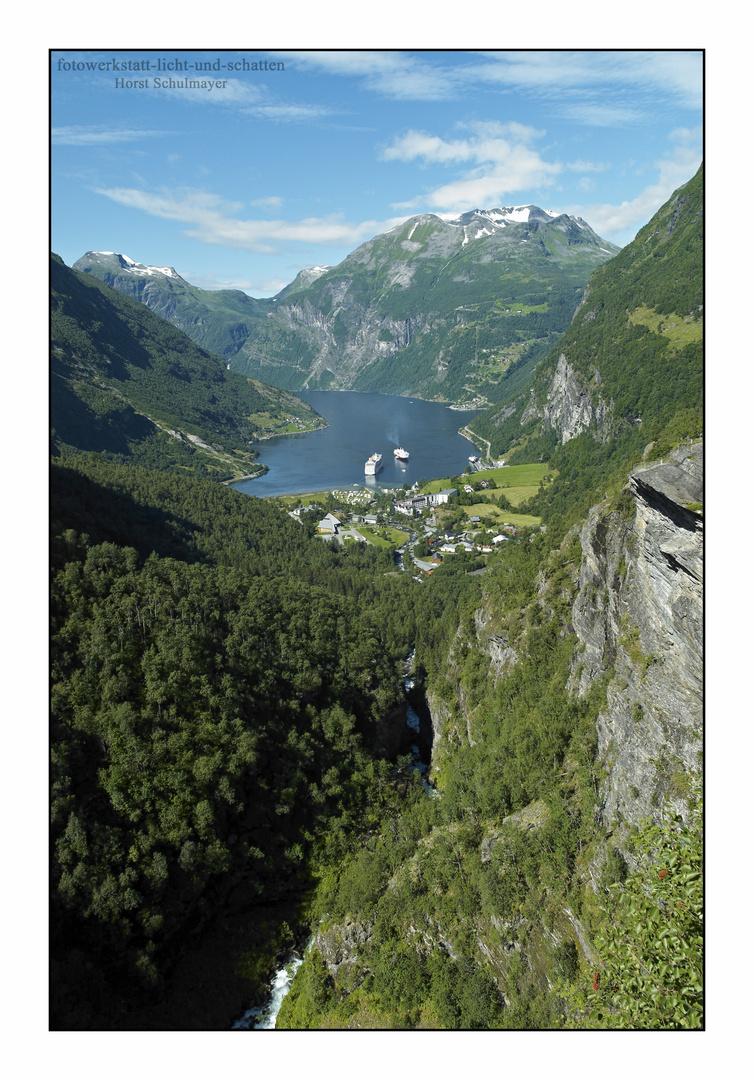 Blick von Flydalsjuvet nach Geiranger - Norwegen