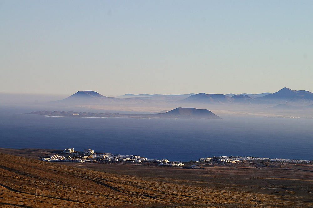 Blick von Lanzarote, Richtung Playa Blanca, Los Lobos, Fuerteventura 1000 pix