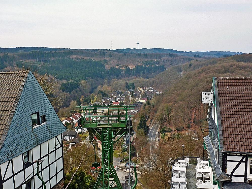 Blick von Schloss Burg auf Solingen-Unterburg
