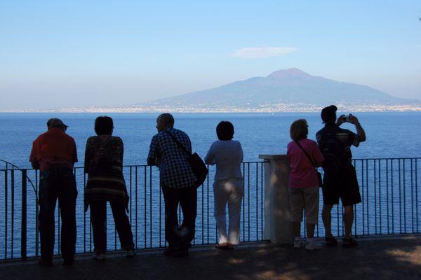 Blick von Sorrent auf den Vesuv