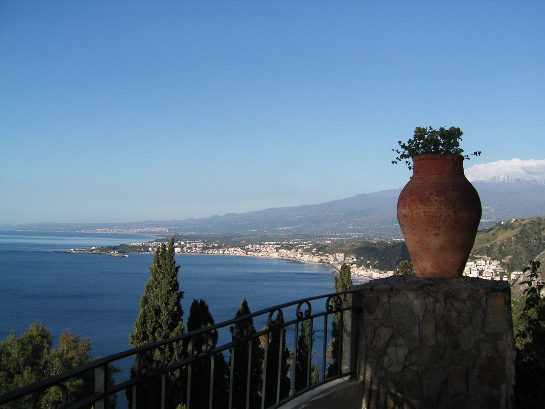 Blick von Taormina nach Catania...