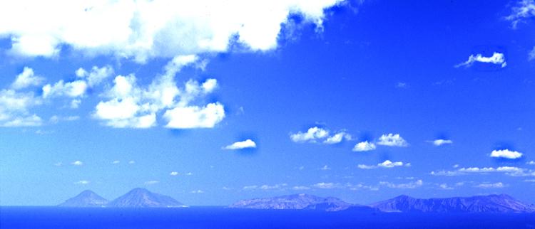 Blick zu den Liparischen Inseln (Sizilien)
