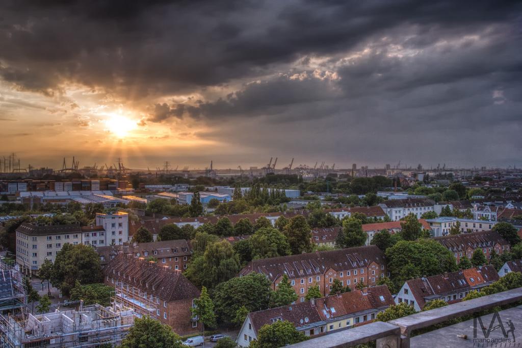 Blick zum Hafen vom Energiebunker in HH-Wilhelmsburg