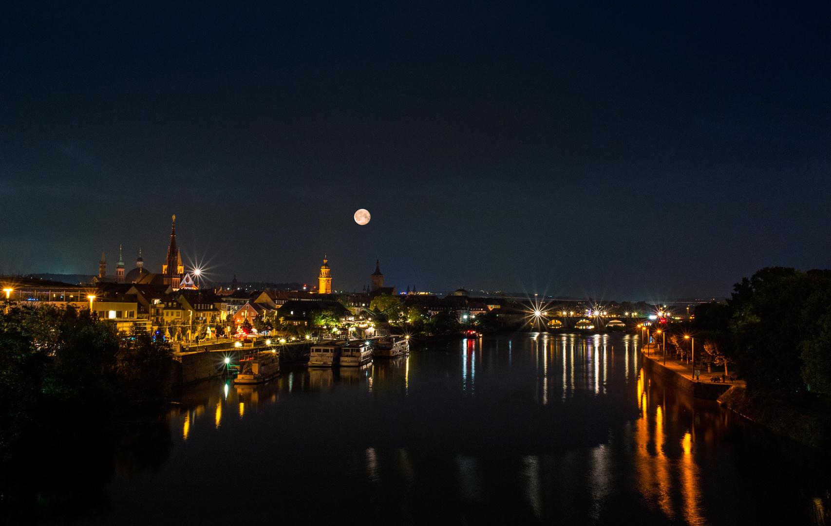 Blick zur alten Brücke - Würzburg