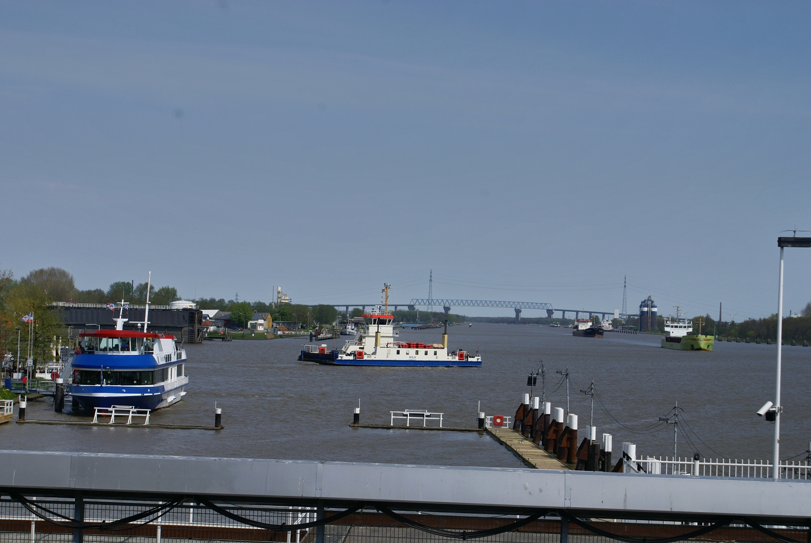 Blick zur Brücke NOK