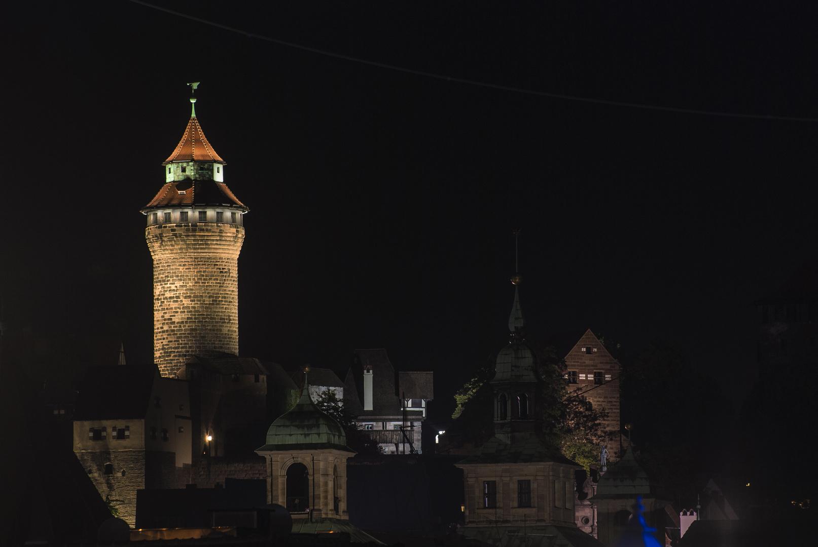 Blick zur Burg von der Lorenzkirche
