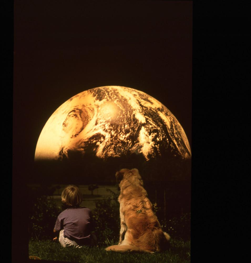 Blick zur Erde aus der Sicht eines Kindes