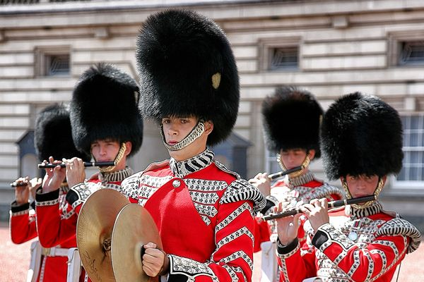 Blickkontakt @ Changing The Guard / Buckingham Palace / London