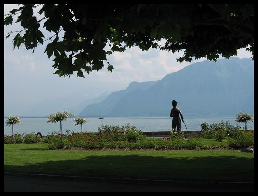 Blickt auf den Genfer See Charlie Chaplin
