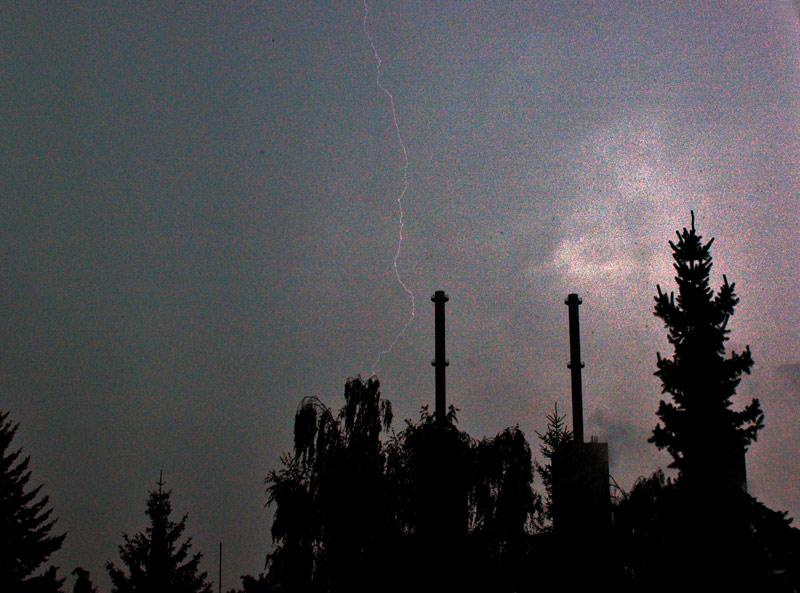 Blitz bei Tageslicht