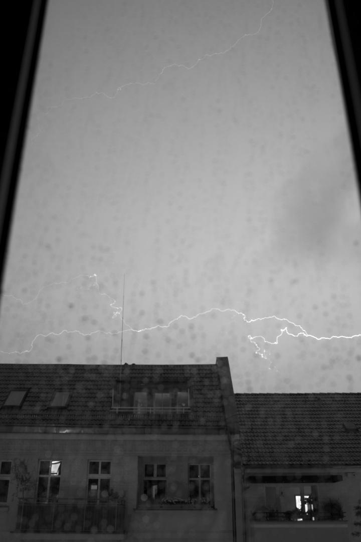 Blitz im Fenster 3