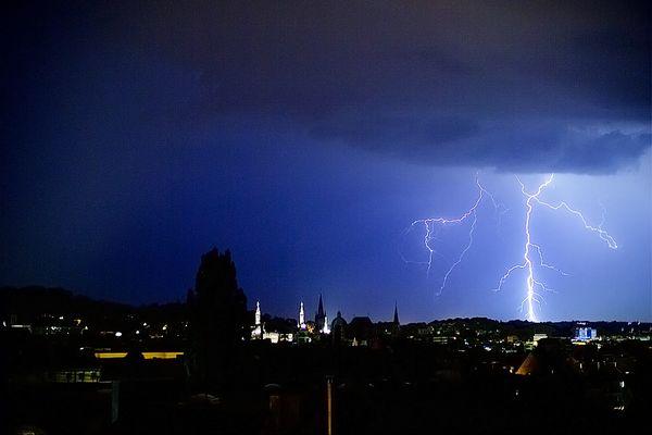Blitz über Aachen