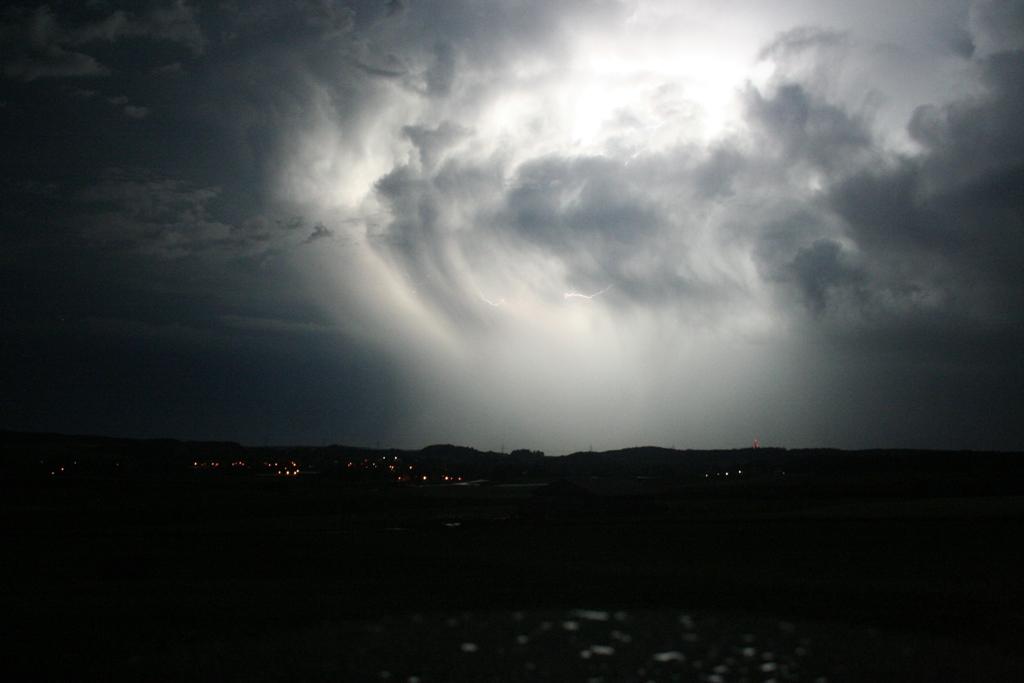 Blitz Versteckt in den Wolken