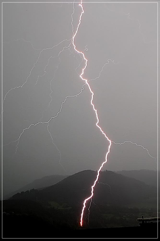 Blitzeinschlag (geänderte version!!)