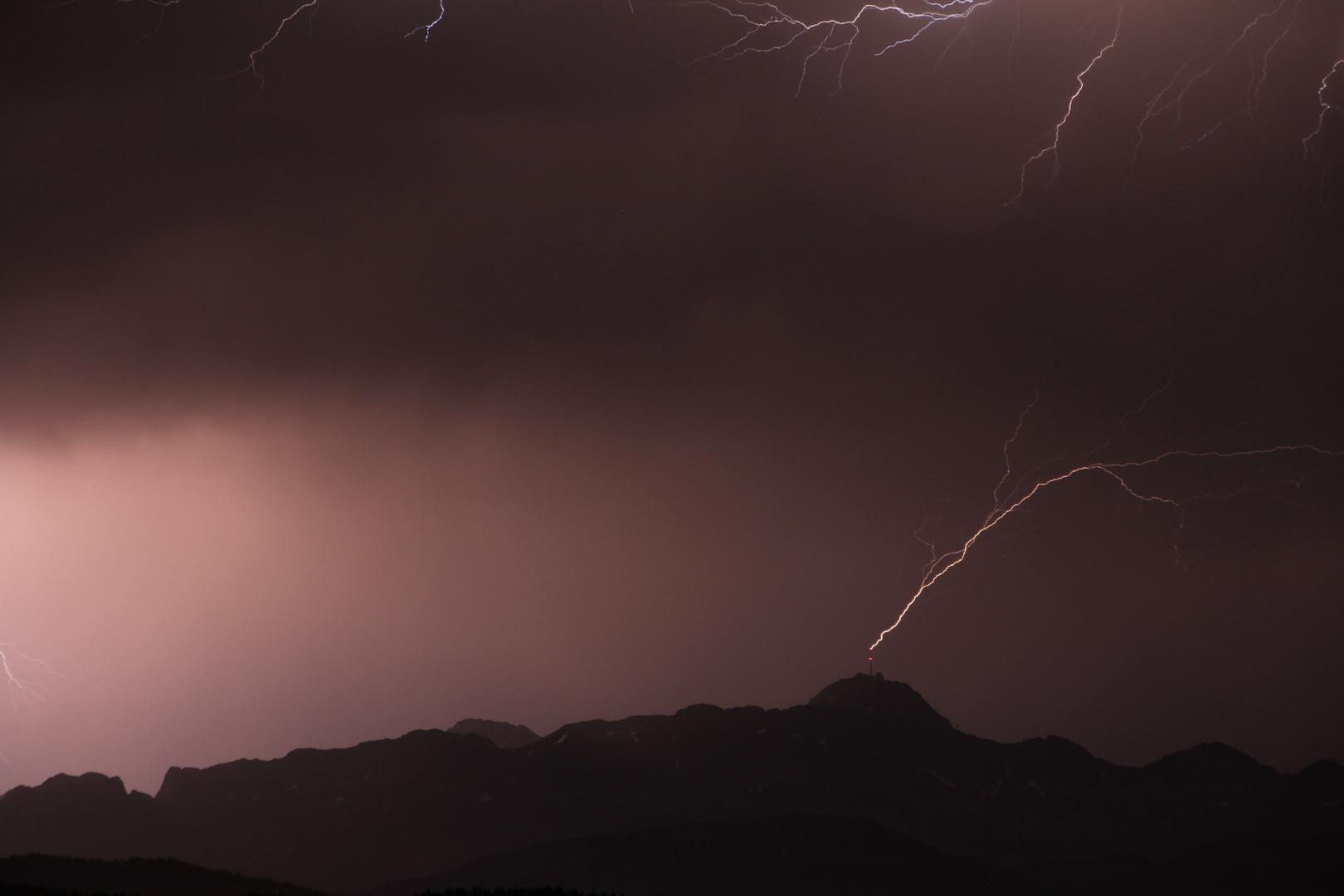 Blitzeinschlag in den Mast des Säntis