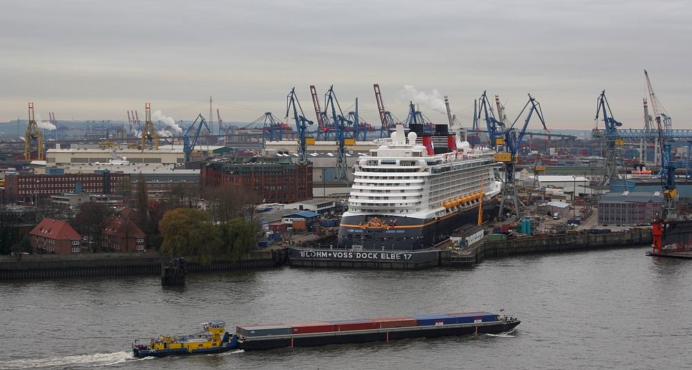 Blohm & Voss Dock Elbe 17