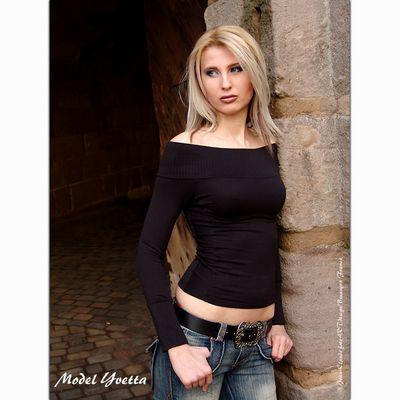 blond en avant vert
