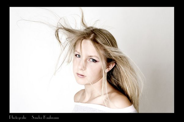 B(l)ond Girl ;-)