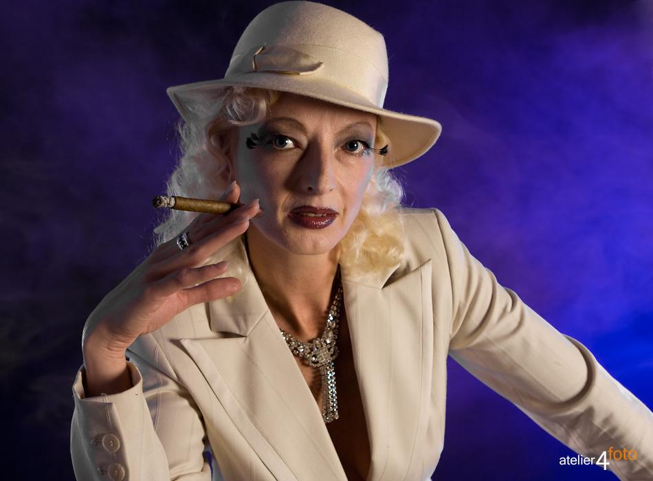 Blonde Carmen