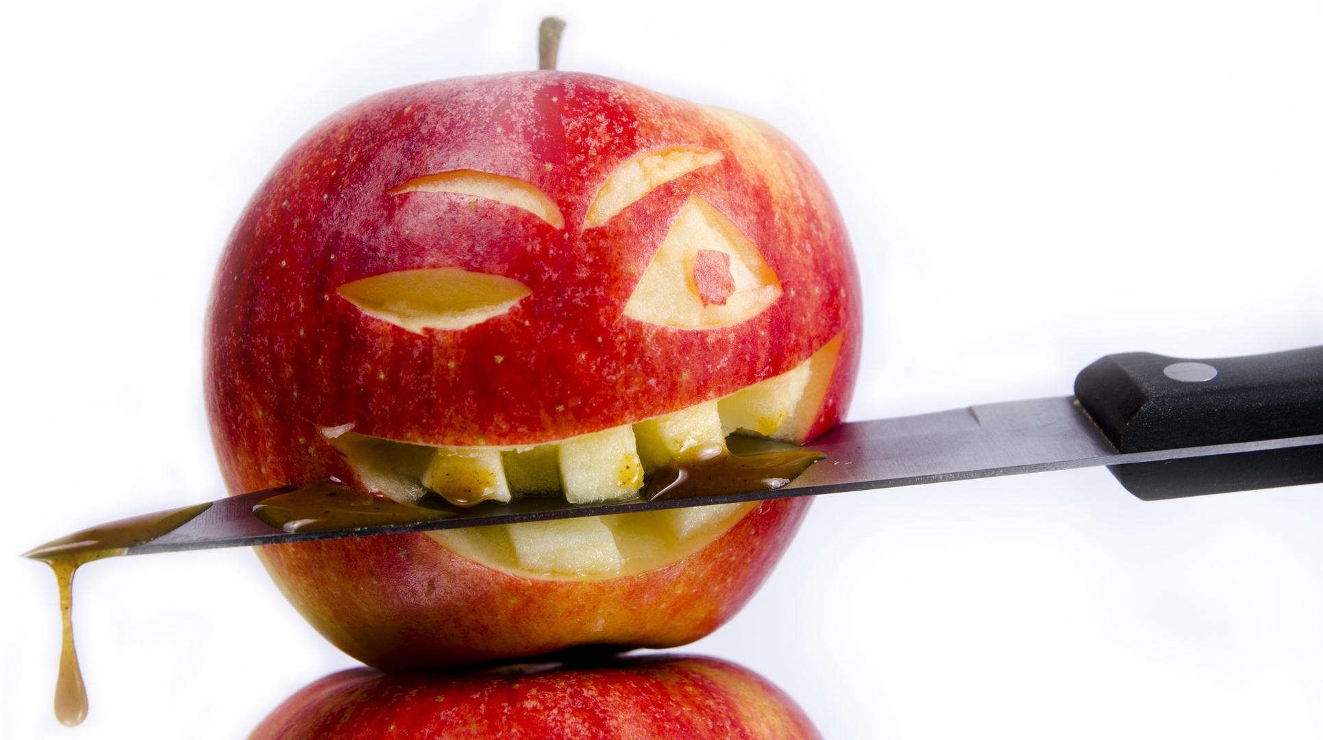 bloodthirsty apple