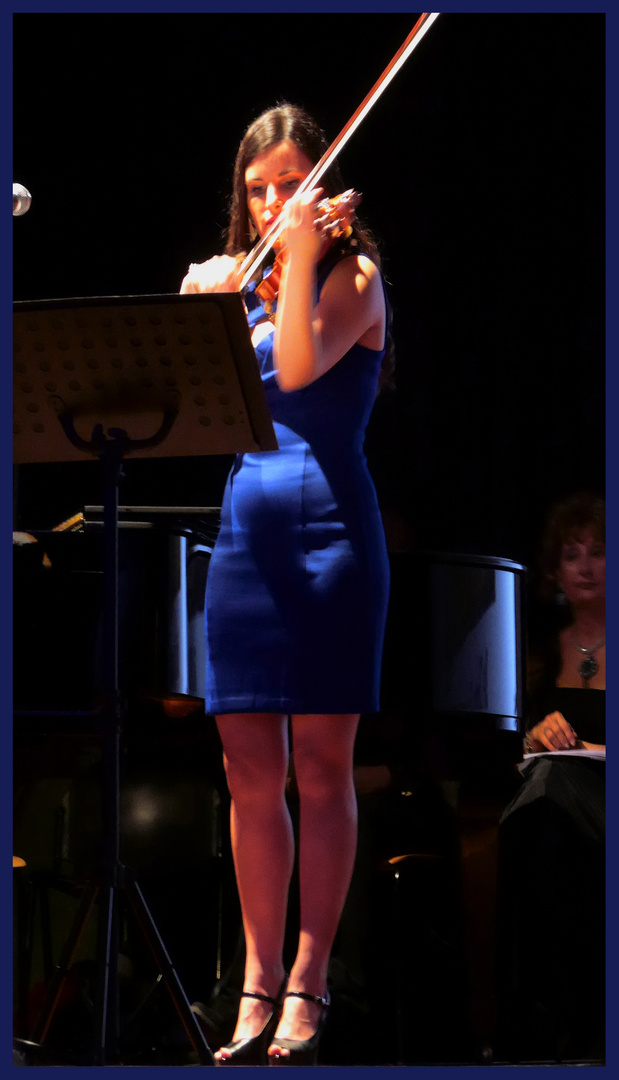 Blu violin