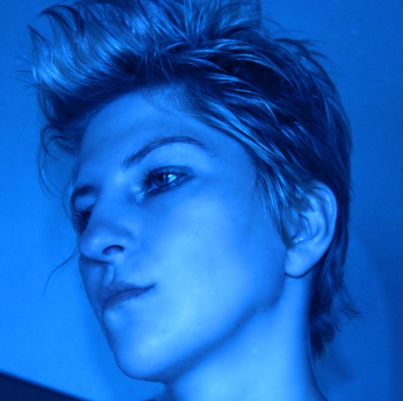 blue autoportret